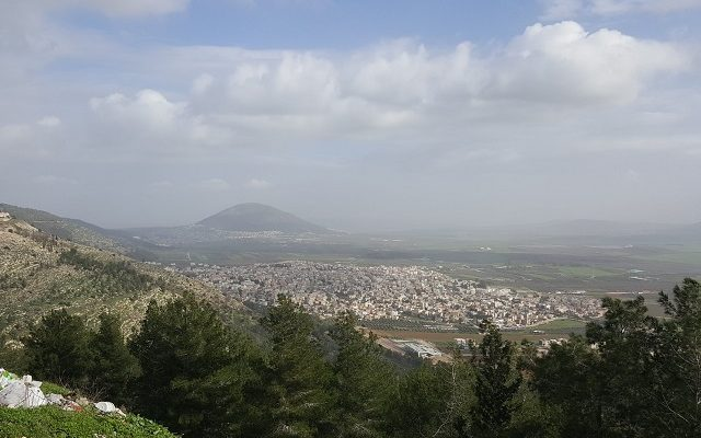 Day 22: Following Jesus past Mount Precipice to His Transfiguration on Mount Tabor!
